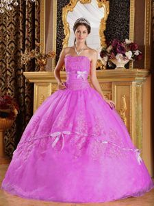 Halter-top Ball Gown Dresses for Quince with Beads and Appliques in Blue