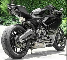 Ducati 899 Panigale Custom Black Stealth