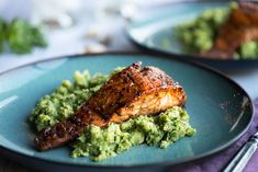 Grilled Glazed Sweet and Spicy Salmon from 24 Foolproof Seafood Recipes Anyone Can Cook Slideshow Salmon Recipes, Fish Recipes, Seafood Recipes, Bar Recipes, Seafood Dishes, Clean Recipes, Sweet And Spicy Salmon Recipe, Bourbon Glazed Salmon, Honey