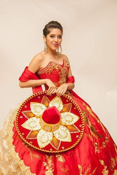 Quinceanera dress - The biggest element of the quinceanera for a girl turning fifteen will be the dress! The best quinceanera gown makes the birthday girl feel like princess. Mariachi Quinceanera Dress, Mexican Quinceanera Dresses, Mexican Dresses, Quinceanera Ideas, Quinceanera Cakes, Xv Dresses, Quince Dresses, Fashion Dresses, Charro Dresses