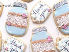 Learn to decorate mason jar cookies in this tutorial by SweetAmbs.