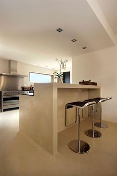Luxury Villa in Caló den Real, Ibiza Beautiful Small Homes, Beautiful Kitchens, Home Deco, Floor Design, House Design, Low Budget House, Concrete Interiors, Tidy Kitchen, Interior Architecture