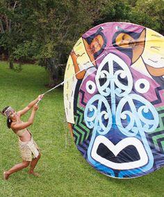 "Harko Brown designed the kite and leading Maori artist Theresa Reihana painted it."" The kite is called Te Ara Wairua and depicts spiritual p. Abstract Sculpture, Wood Sculpture, Bronze Sculpture, Maori Words, International Craft, Maori People, Maori Designs, Nz Art, Maori Art"