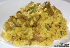 Risotto de alcachofas y setas con cúrcuma Rice Recipes, Veggie Recipes, Vegetarian Recipes, Dinner Recipes, Healthy Recipes, Recipies, Couscous, Quinoa, Small Meals