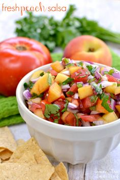 This would be awesome on Salmon or Mahi Mahi~Fresh Peach Salsa with tomatoes, red onion, cilantro, and a kick of jalapeno. A fresh, delicious summer salsa! Healthy Snacks, Healthy Eating, Healthy Recipes, Salsa Guacamole, Cilantro Salsa, Peach Salsa Recipes, Summer Salsa, Appetizer Recipes, Appetizers
