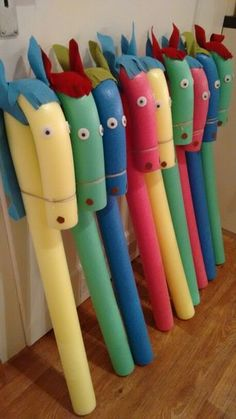 """Steckenpferd basteln Schwimmnudel Kindergeburtstag Pool noodle, felt for eas and mane, glue on giant googly eyes and tie the """"nose"""" down with twine. Kids Crafts, Projects For Kids, Diy For Kids, Diy And Crafts, Craft Projects, Garden Projects, Garden Crafts, Diy Toys For Toddlers, Garden Fun"""