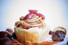 Vegane Vermicelletörtchen mit glasierten Vanilletrauben Vegan Sweets, Camembert Cheese, Cheesecake, Dairy, Desserts, Brownies, Food, Vanilla, Vegane Rezepte