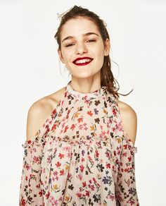 Image 3 of SHIRT WITH OPEN SHOULDERS from Zara