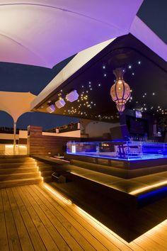 Epic Galer a de Hookah Lounge Sat lite BNKR Arquitectura