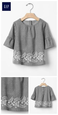 Diy shirt 285486063857026691 - Embroidered ruffle-sleeve top Source by kellyhfrank Hand Embroidery Dress, Kurti Embroidery Design, Embroidery On Clothes, Embroidered Clothes, Embroidered Tops, Kurta Designs, Blouse Designs, Dresses Kids Girl, Kids Outfits
