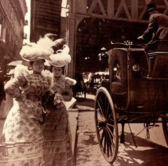 26 Rare Vintage Photos Captured NYC Street Scenes in the 1890s