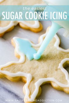 Holiday Cut-Out Sugar Cookies with Easy Icing - This is the EASIEST way to ice your holiday sugar cookies! Plus, get my favorite recipe for soft cookie cutter sugar cookies. Made both cookies and icing and LOVED THEM! Easy Sugar Cookies, Christmas Sugar Cookies, Christmas Sweets, Christmas Cooking, Sugar Cookies Recipe, Frosting For Sugar Cookies, Valentine Cookies, Easter Cookies, Birthday Cookies