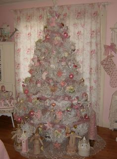 Cathy Scalise Christmas tree in her home.