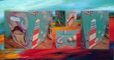 Revistero pintado + recortes + inclusiones de caracoles!