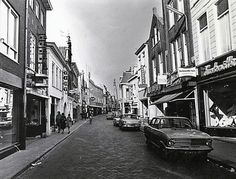 Breda. Ginnekenstraat. Ergens tussen 1965 en 1975