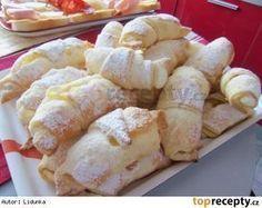Rohlíčky ze šlehačkového těsta Czech Desserts, Sweet Desserts, Sweet Recipes, Cookie Recipes, Dessert Recipes, Czech Recipes, Bread And Pastries, Sweet Tooth, Food And Drink