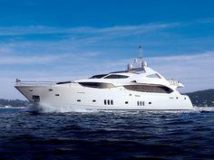 Sunseeker 34 M Kroatien - eine der größten Motoryachten. Sie misst 33,91 m Länge und 7,39 m Breite. Dabei kommt dieses Motorboot auf eine Motorleistung von 4872 PS.  Dazu wird Ihnen in den 5 Kabinen und 10 Kojen + 5 Nasszellen Platz für bis zu 10 Personen geboten.  http://www.segeln-kroatien.com/motoryacht-charter/5-kabinen/sunseeker/sunseeker-34-m-kroatien