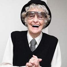 Elaine Stritch is such a plucky woman!  Love her style, love her attitude!