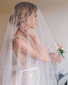 Adding that extra SPARKLE to your bridal look with an embellished veil! Here's an insiders ti Diy Wedding Veil, Wedding Dress With Veil, Wedding Dresses 2018, Tulle Wedding, Wedding Ideas, Dream Wedding, Wedding Planning, Wedding Stuff, Wedding Trends