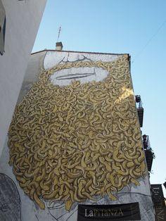 Banksy plane love this street art (can't read the artist's name) photo by dave foster beard, Valencia Massimo Nota Urban Street Art, Best Street Art, 3d Street Art, Amazing Street Art, Street Artists, Amazing Art, Installation Street Art, Murals Street Art, Street Art Graffiti