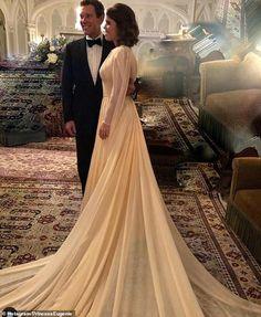 Designer Gowns, Designer Wedding Dresses, Wedding Gowns, Royal Brides, Royal Weddings, Windsor, Eugenie Wedding, Pictures Of Princesses, Eugenie Of York