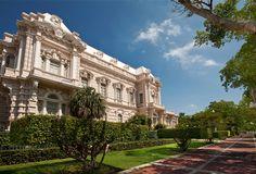 """""""EMOCIÓN DE TIEMPO COMPLETO""""... Yucatán es un estado de nuestro país que lo tiene todo: historia, cultura, arte, calidez en sus pobladores, hermosa naturaleza, rica gastronomía y una joya de blancas casonas y hermosos jardines: Mérida. ..."""