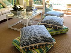 hampton hostess: SHOWHOUSE CHIC OUTDOOR SPACES