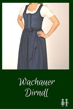 Das Wachauer Dirndl für den Alltag ist ein klassisches Blaudruckdirndl.