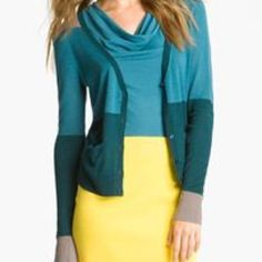 Halogen Cardigan This is a cardigan from Halogen. It is size Large petite. It has 2 small pockets on each side. You can button or wear it unbuttoned. Long sleeve. Beautiful green, grey & blue colors. Lightweight & in great condition. 82% viscose 18% linen. Halogen Sweaters Cardigans