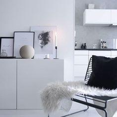 M O R N I N G ✨ #interior #interior_and_living #detaljer #hem_inspiration #homedecor #decorationhome #homeinspo #whiteinterior @white.interior #inspoforyourhome #details✨ #candle #candleaddict #cozyhome #cozy #interiordeluxe #interiordesign #inspiration4you #interior2you #nordicinteriorstyle #nordiskhjem #nordiskdesign #skandinaviskahem #kynttilät #mitthem #nordicminimalism #minimalist #homeliving #homeforinspo #interiorwarrior