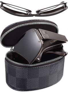 Louis Vuitton Men's Evasion Sunglasses