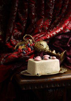 CAKE ENVIE [Vanilla, violet, blackcurrant] | Pierre Hermé