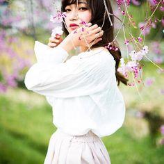 【yukonaito15】さんのInstagramをピンしています。 《、 @meows2nob  #桜 #枝垂れ桜 #pink #春待ち遠しい 、 、 、 ウェブサイト試しにつくったよ。 もっとちゃんと新しくなる予定。 プロフィールから見てね〜! 、 、 、 #photobyme#yukonaito#flower#girl#flowergirl#photographer#model#japan#nagoya#art#yukosato15#instagood#portrait#flower#color#monochrome#photo#artist#ポートレート#撮影#花と人#花》