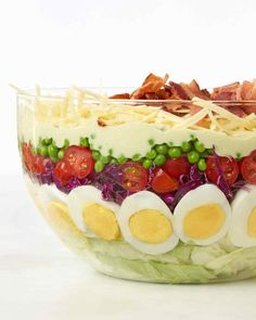 7 layer salad, MS-This light yet impressive salad is ideal for a potluck or any large gathering; assemble it up to 4 hours in advance. Easy Potluck Recipes, Bacon Recipes, Salad Recipes, Cooking Recipes, Cooking Tips, Kraft Recipes, Salads Up, Jello Salads, Fruit Salads