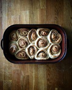 #cinamonroll anyone? We have a two trays of these😎😁. . #skoricoverolky nekdo? Mame dva pekace😎😁 . #foodandfamilyaffair#sweet#delicious#yum#yummy#homemade#cinnamon#amazing#baking#vkuchyni#dnesjem#uzasnejedlo#foodgasm#photooftheday#feedthefeed#foodblogger