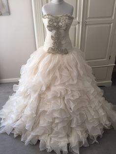 robe de mariée princesse avec broderies orientales