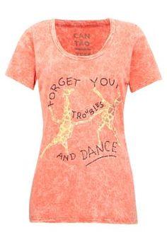 Look...a t-shirt for the drunk giraffe dance. Owwwwwnnnnnt...