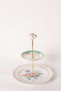 Vintage Cake Stands, Floral Arrangements, Centerpieces, Homemade, Create, Gifts, Collection, Vintage Kitchenware, Presents