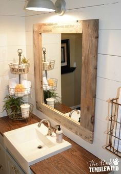 57 Amazing and Cozy Rustic Bathroom Decor Ideas Wc Decoration, Bathroom Crafts, Bathroom Ideas, Bathroom Updates, Bath Ideas, Sweet Home, Rustic Bathrooms, Big Bathrooms, Laundry In Bathroom