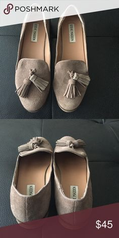 Suede Steve Madden Loafers. Steve Madden suede loafers with two tassels on each shoe in great condition. Lightly worn Perfect fall show for work or errands, Get the Look! Steve Madden Shoes Flats & Loafers