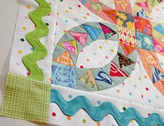 ways to use giant ric rac- Iove the way they used the triangles! ( I like the ric rac, too! ;-)
