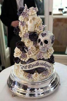 "(via pinner) [Wedding cake ideas- but on the wild side. ""Til Death Do Us Part"" Skull Wedding Cake] [Halloween wedding idea] Skull Wedding Cakes, Gothic Wedding Cake, Sugar Skull Wedding, Gothic Cake, Medieval Wedding, Purple Wedding Cakes, Wedding Cupcakes, Halloween Torte, Bolo Halloween"