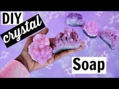 How to make Gemstone Soaps by Tashalala This is. How To Make Crystals, Diy Crystals, Black Crystals, Soap Tutorial, Diy Spa, Homemade Beauty Products, Soap Recipes, Home Made Soap, Soap Making