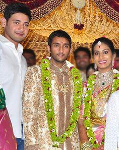 Wedding Garlands, Flower Garland Wedding, Flower Garlands, Wedding Decorations, Marriage, Designers, Diamonds, Sari, Blouses
