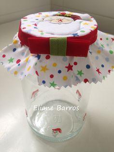 vidro com tampa trabalhada em patchwork embutido