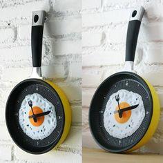 Egg on Frying Pan Modern Design Wall Clock
