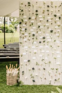 A garden-inspired escort card wall where each card was attached to a single flower. Photo:  Sergio Sandoná New England Style, Unique Wedding Invitations, Bridal Fashion Week, Hudson Valley, Summer Garden, Flower Petals, Chic Wedding, Newlyweds, Garden Wedding