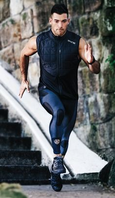 35 Sports Clothes For Cool Men - Fashionmgz Sport Fashion, Mens Fashion, Athletic Fashion, Athletic Style, Athletic Gear, Mens Tights, Gym Style, Running Tights, Gym Wear