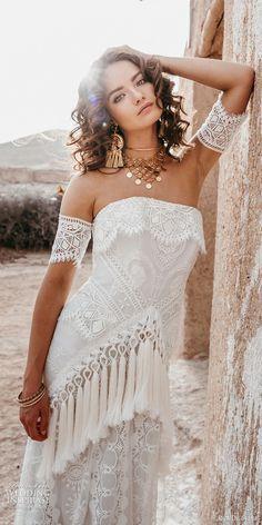 Bohemian wedding dress Boho # Bohemian # Gypsy # Freespirit # Fashion # Wedding rnrnSource by Boho Gypsy, Gypsy Style, Hippie Bohemian, Bohemian Shoes, Urban Hippie, Bohemian Style Jewelry, Hippie Jewelry, Bohemian Bridesmaid, Bohemian Wedding Dresses