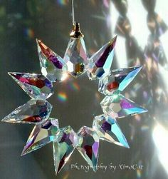"""Hand Made Bohemian AB Crystal Christmas Star SunCatcher by Preciosa New in Box A Genuine Bohemian Crystal Clear """"Christmas Star"""" Prism Suncatcher. New in elegant round Box with a certificate of authenticity by Preciosa. Christmas Star, Christmas Crafts, Christmas Ornaments, Carillons Diy, Bead Crafts, Diy Crafts, Bijoux Art Nouveau, Diy Accessoires, Hanging Crystals"""